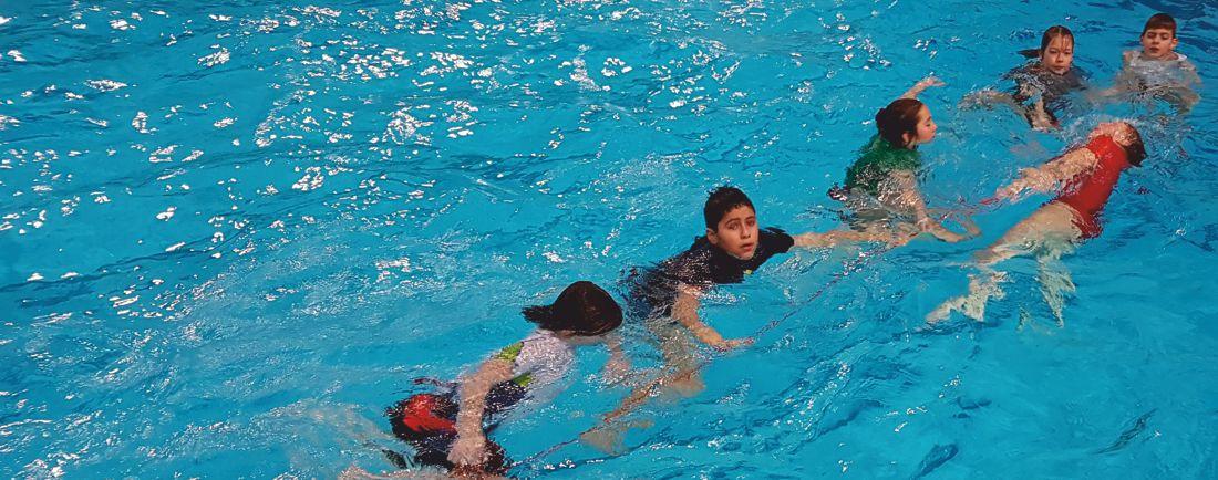 Gaudi-Training der U12 Wasserball-Minis zum Jahresende