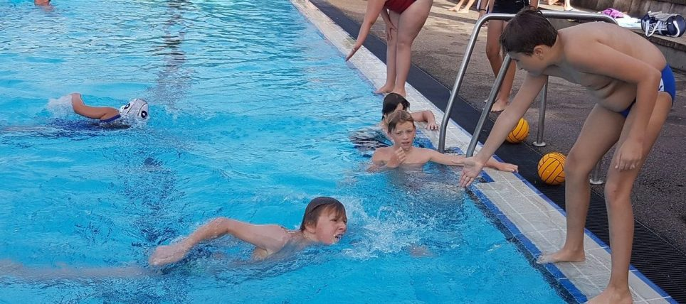 Großer Andrang bei den SSVE Wasserball-Minis